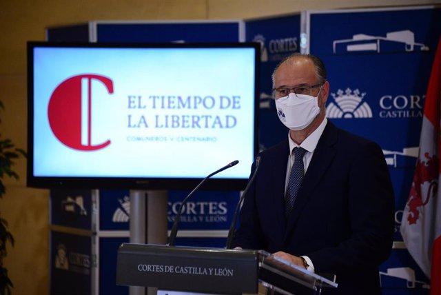 El presidente de las Cortes y de la Fundación Castilla y León, Luis Fuentes, presenta los actos para el Día de la Comunidad.