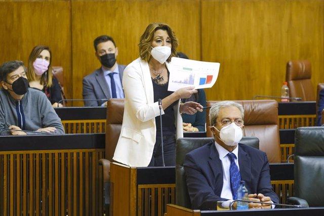 La secretaria general del PSOE-A, Susana Díaz, en el Pleno del Parlamento.