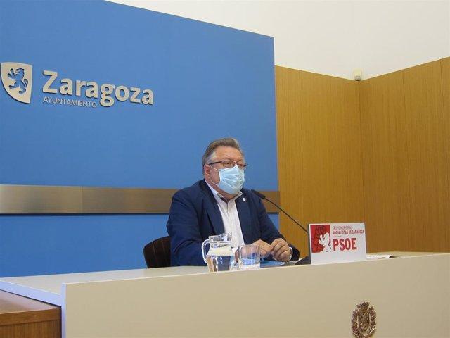 Archivo - El concejal del PSOE en el Ayuntamiento de Zaragoza, Alfonso Gómez