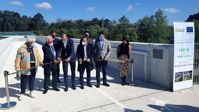 Acto de inauguración de la pasarela peatonal y ciclable sobre el Saja-Besaya en Torrelavega