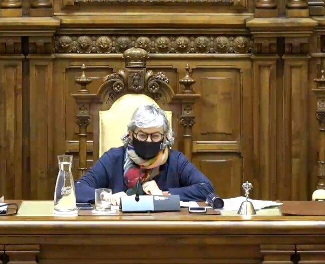 Ana González (PSOE), alcaldesa de Gijón, durante el Pleno Municipal