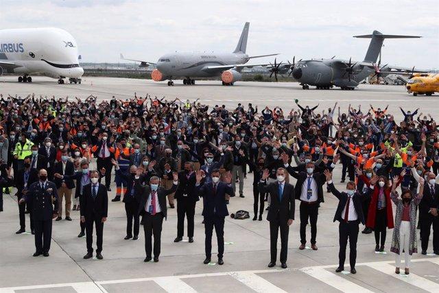 El Rey y Pedro Sánchez asisten a la inauguración del campus de Airbus en Getafe.