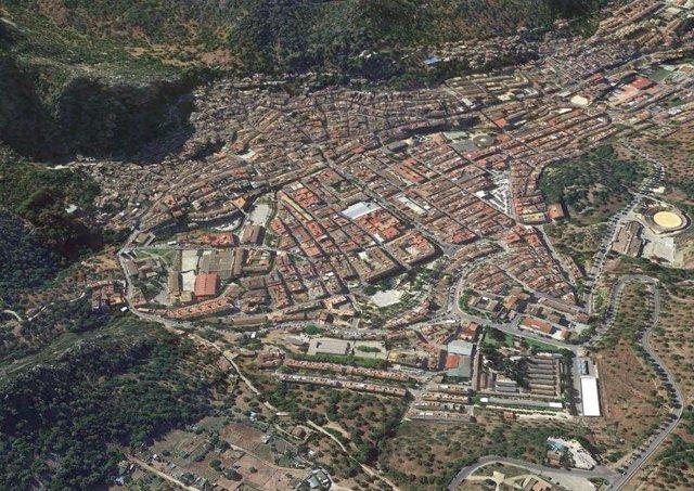 Archivo - Vista aérea de Ubrique