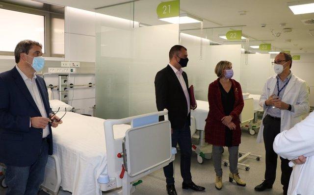 La consellera de Salut, Alba Vergés, visita l'Hospital de Terrassa (Barcelona).