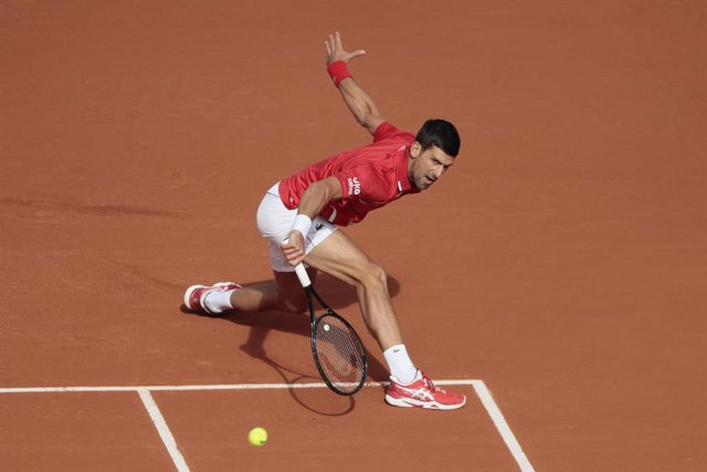 Archivo - Novak DJOKOVIC (SRB) during the Roland Garros 2020, Grand Slam tennis tournament, on October 1 st, 2020 at Roland Garros stadium in Paris, France - Photo Stephane Allaman / DPPI
