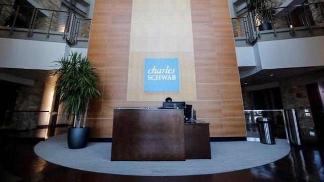 Archivo - Oficinas de Charles Schwab.