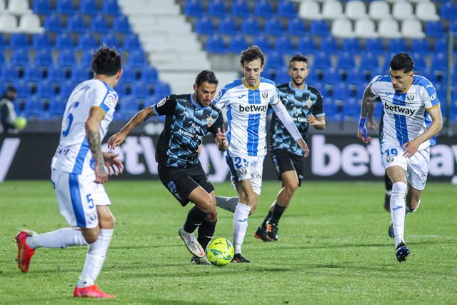 Archivo - Jonathan Silva of CD Leganes, Joao Carvalho of UD Almeria, Ruben Pardo of CD Leganes and Luis Perea of CD Leganes in action during the Spanish second league, Liga SmartBank, football match played between CD Leganes and Almeria  at Municipal de B
