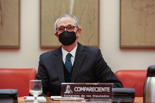 El candidato propuesto por el Gobierno para la Presidencia del Consejo Económico y Social (CES), Antón Costas, a su llegada a una Comisión de Trabajo del Congreso