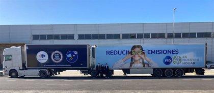 Carrefour y P&G reducirán un 16% las emisiones de CO2 de sus operaciones conjuntas con dos megacamiones
