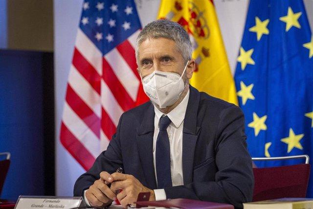 El ministro del Interior, Fernando Grande-Marlaska, se ha reunido este jueves por vídeo conferencia con el secretario de Seguridad Nacional de Estados Unidos, Alejandro Mayorkas.