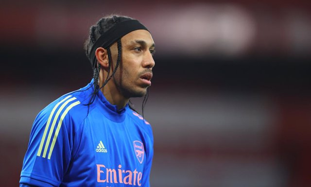 03 April 2021, United Kingdom, London: Arsenal's Pierre-Emerick Aubameyang warms up prior to the start of the English Premier League soccer match between Arsenal and Liverpool at The Emirates Stadium. Photo: Julian Finney/PA Wire/dpa