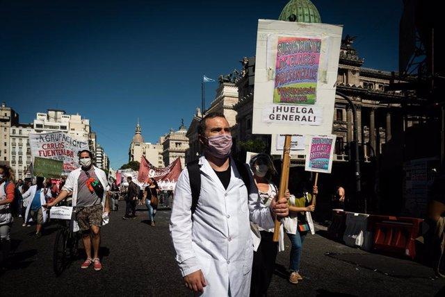 Manifestación por la educación presencial en Buenos Aires.