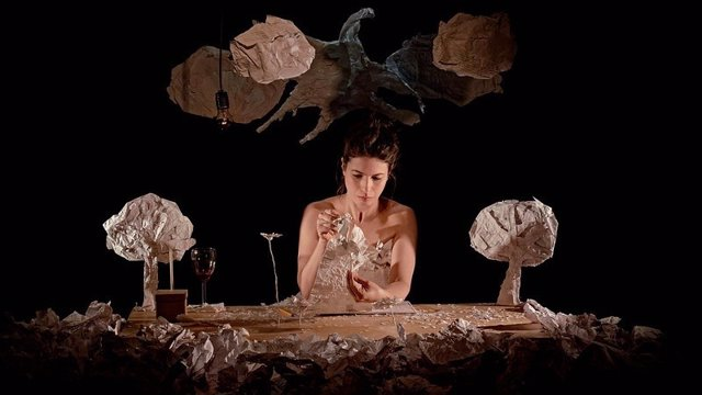 ÛNiyar, a paper tale', teatro de objetos y marionetas en Espacio Abierto Quinta de los Molinos