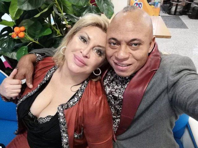 Raquel Mosquera y su pareja, Isi