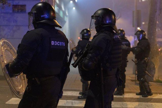 Archivo - Arxiu - Aldarulls durant les protestes en contra de l'empresonament del raper Pablo Hasél a Barcelona.