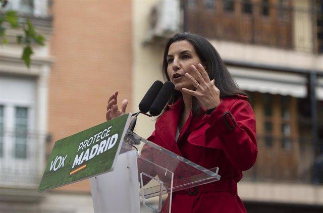 La candidata de Vox a la Presidencia de la Comunidad de Madrid, Rocío Monasterio, durante un mitin en la Plaza de España de Leganés.