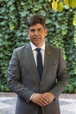 Archivo - El presidente del Consorcio de Bomberos de la Diputación de Córdoba, Rafael Llamas
