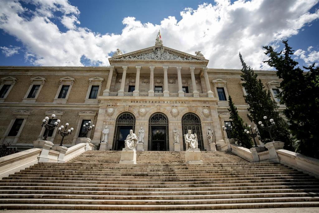 Cultura creará un grupo de trabajo para un protocolo de seguridad en la Biblioteca Nacional tras el robo del Galileo