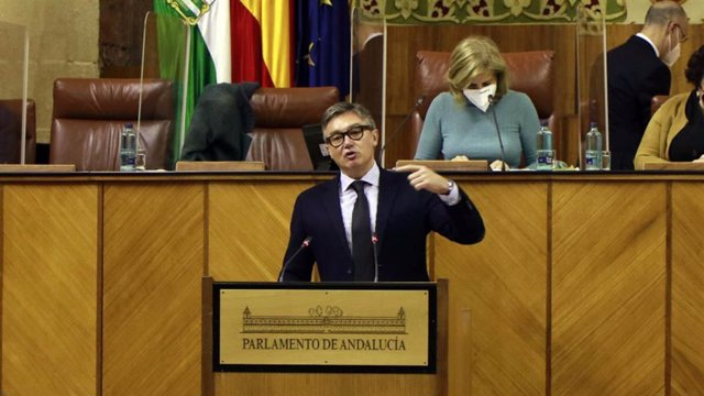 Manuel Gavira enn el Parlamento