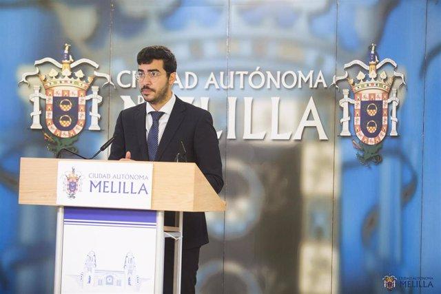 El consejero de Salud Pública Mohamed Mohand, del PSOE, en rueda de prensa este viernes