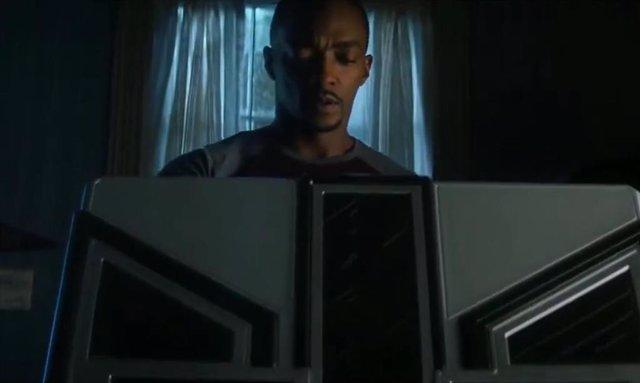 Falcon y el Soldado de Invierno: ¿Qué hay en la caja que Bucky le da a Sam de Wakanda?