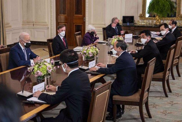 El presidente EEUU, Joe Biden y el primer ministro, Yoshihide Suga.