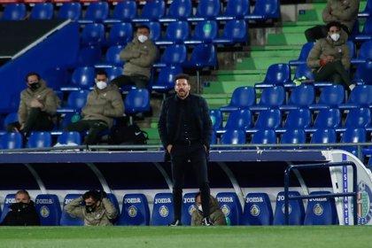 """Simeone: """"Nos enfocamos totalmente en crecer y mejorar ante el Eibar"""""""