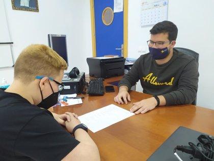 Cajasur colabora con Estrella Azahara en el refuerzo educativo de jóvenes de Palmeras