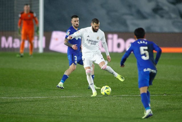 Archivo - Karim Benzema of Real Madrid in action during the spanish league, La Liga Santander, football match played between Real Madrid and Getafe CF at Ciudad Deportiva Real Madrid on february 09, 2021, in Valdebebas, Madrid, Spain.