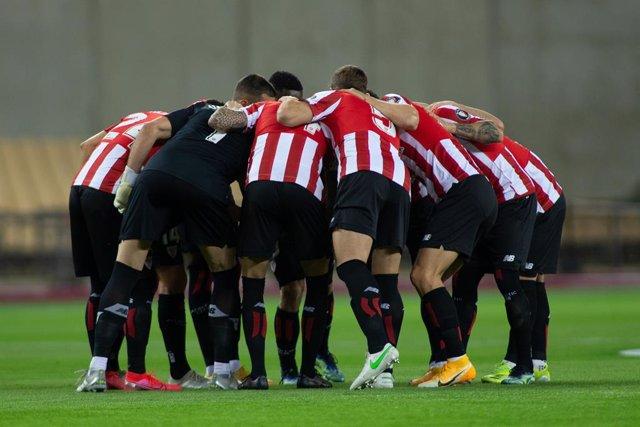 Formation of Athletic Club during Copa Del Rey Final match between Athletic Club and Futbol Club Barcelona at Estadio de La Cartuja on April 17, 2021 in Seville, Spain.