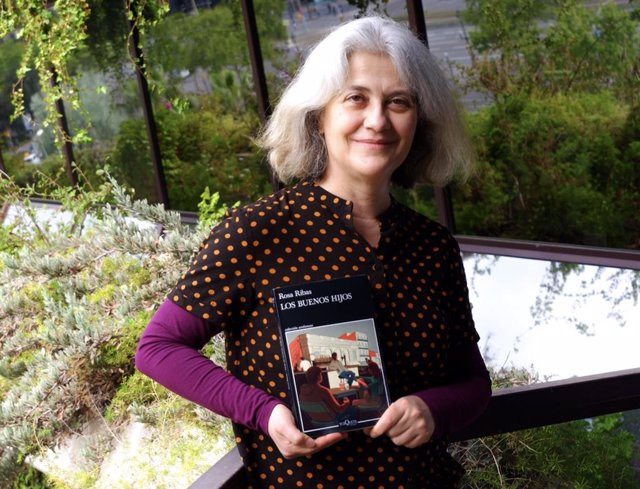 L'escriptora Rosa Ribas publica la novel·la negra 'Els bons fills' (Tusquets)