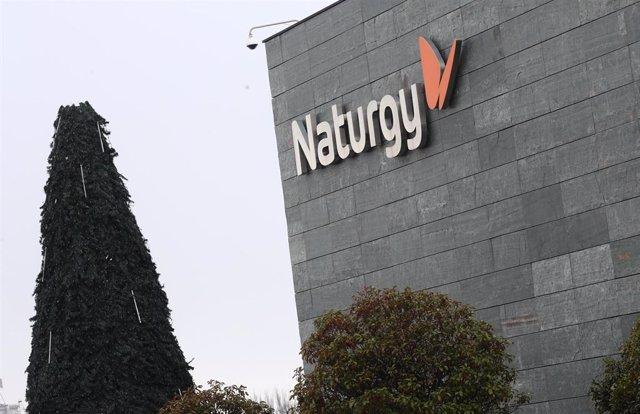 Archivo - Oficina de Naturgy ubicada en la capital, Madrid, en imagen de archivo