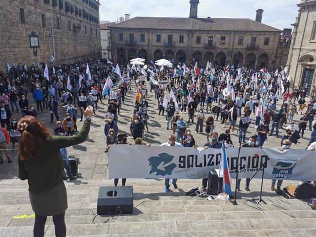 La manifestación concluyó en la Praza da Quintana