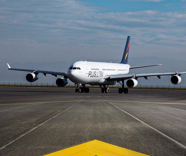Avión de Plus Ultra Líneas Aéreas