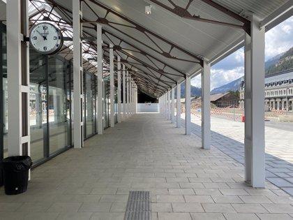 """El Gobierno de Aragón apuesta por """"mantener el recuerdo de lo que siempre fue un espacio ferroviario"""" en Canfranc"""