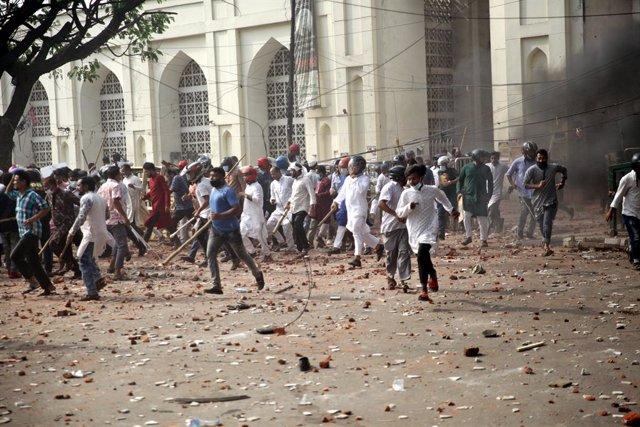 Protestes a Bangladesh contra el primer ministre indi, Narendra Modi