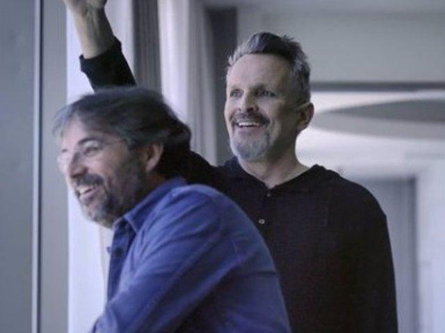 Miguel Bosé y Jordi Évole durante la entrevista