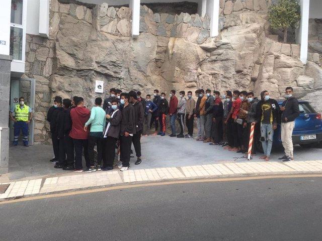 Archivo - La Fundación SAMU activa un recurso de emergencia para atender a 150 migrantes menores no acompañados en Gran Canaria