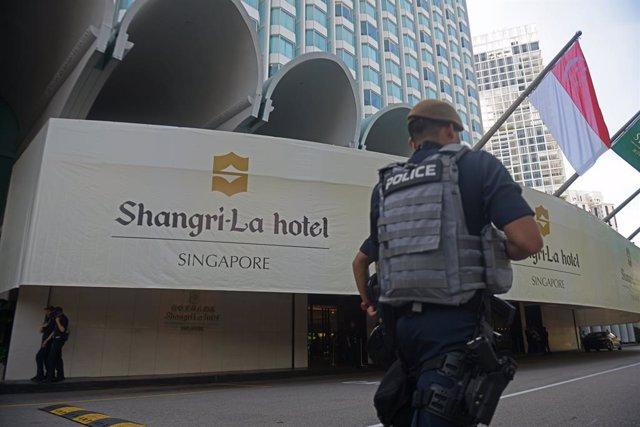 Un agente de la Policía de Singapur.