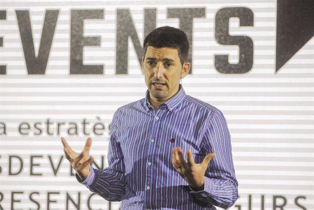 Archivo - El epidemiólogo Oriol Mitjà interviene durante la presentación de 'Back To Events' en Barcelona, Catalunya, (España), a 18 de marzo de 2021