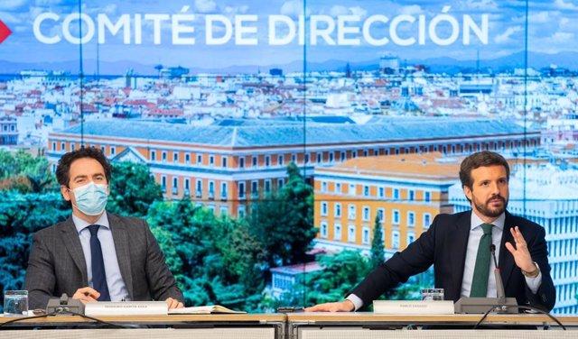 El líder del PP, Pablo Casado, preside la reunión del comité de dirección del PP. En la imagen junt al secretario general del partido, Teodoro García Egea. En Madrid, a 18 de abril de 2021.