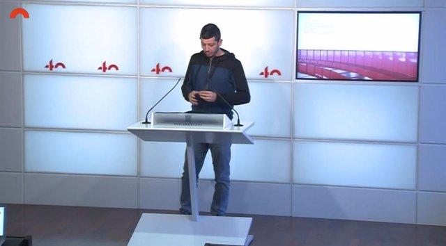 Archivo - El diputado de la CUP en el Parlament Xavier Pellicer en rueda de prensa en el Parlament