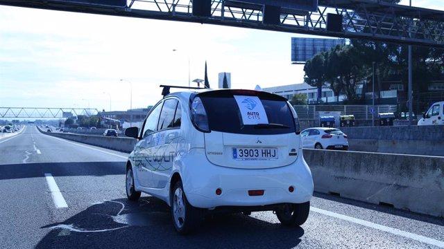 Archivo - PSOE y PP optan por el 5G para el coche conectado, pese a la apuesta por el WiFi de la Comisión Europea