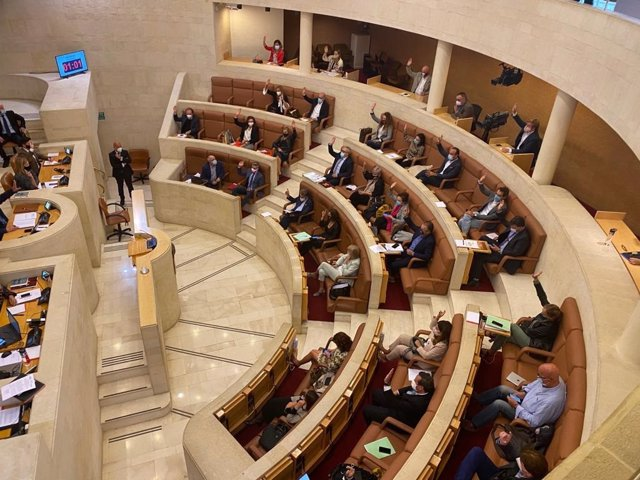 Archivo - Pleno del Parlamento