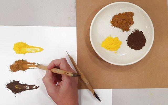 El taller 'Pintar con olores' propone un viaje sensorial en familia por la obra de Miquel Barceló