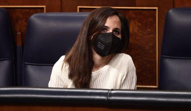 La ministra de Derechos Sociales y Agenda 2030, Ione Belarra, en una sesión plenaria en el Congreso de los Diputados, a 15 de abril de 2021, en Madrid, (España). Durante el pleno se votará la aprobación del proyecto de ley orgánica de protección integral