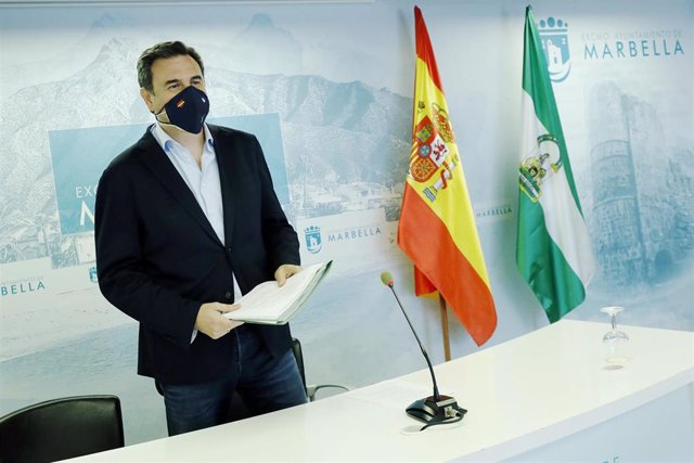 El portavoz municipal de Marbella (Málaga), Félix Romero, en rueda de prensa