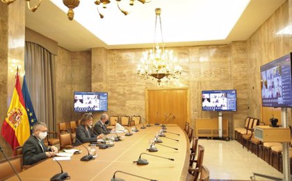 Ribera confirma que el Gobierno prevé aprobar el proyecto de ley de residuos el próximo mes de mayo