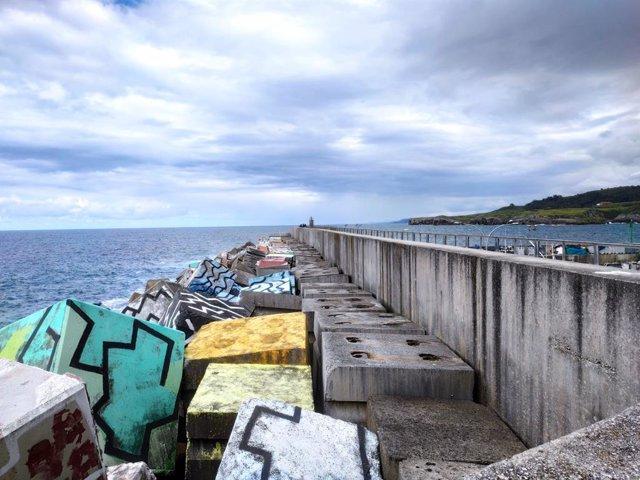 Archivo - Puerto de Llanes.
