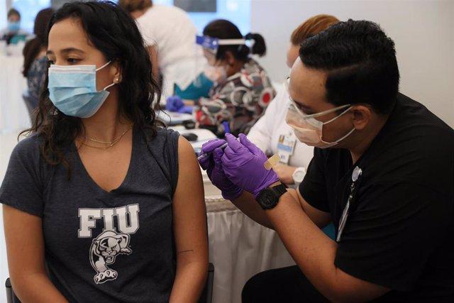 Vacunación contra el coronavirus en Miami